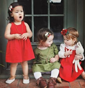 Looking for holiday outfits for your little girls? Read this holiday guide for the cutest outfits from The Baby Bird Boutique & get ready to shop & save!