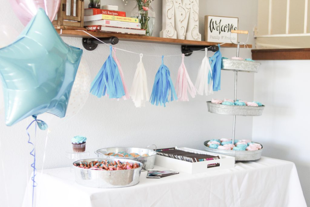 Twinkle Twinkle Little Star Gender Reveal Party details. From the decor to the desserts and the results of a twin gender reveal party #genderreveal #genderrevealparty #twingenderreveal #twinpregnancy #twins #twinmom #twinkletwinklelittlestar #partythemes #genderrevealdesserts #genderrevealdecorations
