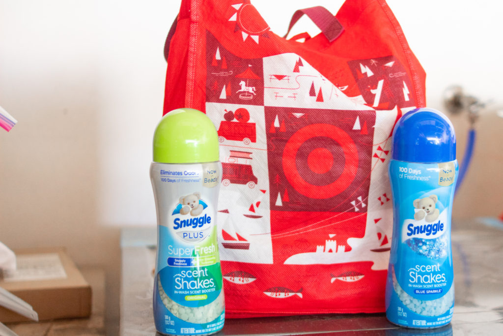It's always a good time to refresh parts of your home.  With these 5 steps and  Snuggle® Scent Shakes™I was able to easily give my daughters' closet a much needed refresh #SnuggleScentShakes #ShakeUpYourScents #sponsored #cleaning #organization #closetorganization #organize #closetmakeover #cleanclothes #clean #clothingorganization #clothing #closetrefresh #homeDIY #DIYprojects #DIY #DIYhome #cleanwithme #smellfresh