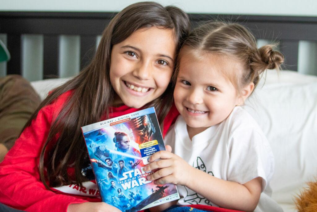 girls with Star Wars movie
