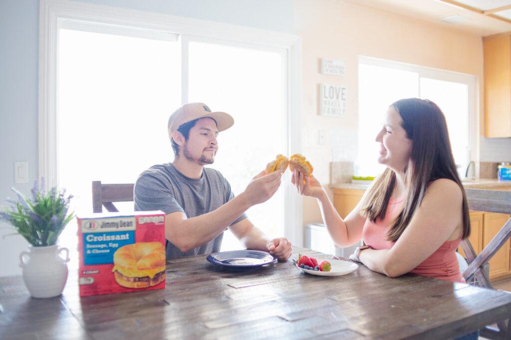 parents eating breakfast