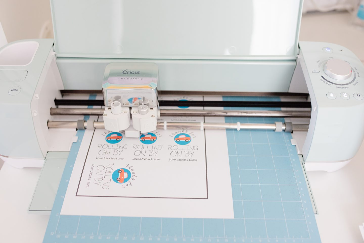 cricut making drive by party favor tags